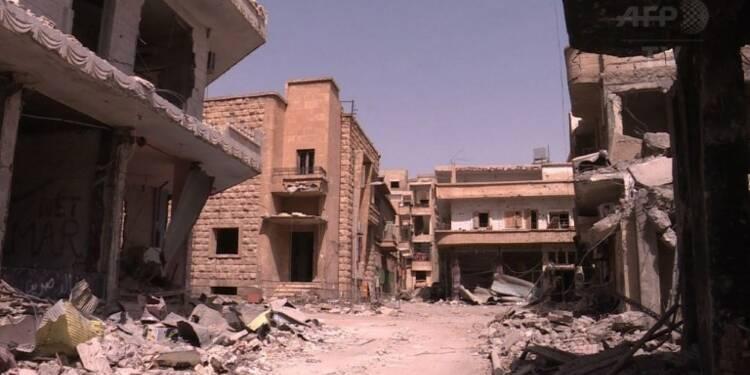 A Raqa, des Syriens pleurent une ville totalement défigurée