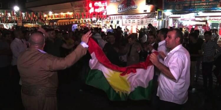 Irak: les Kurdes célèbrent le référendum dans les rues d'Erbil