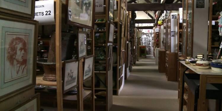 Clap de fin: des milliers d'accessoires de cinéma aux enchères
