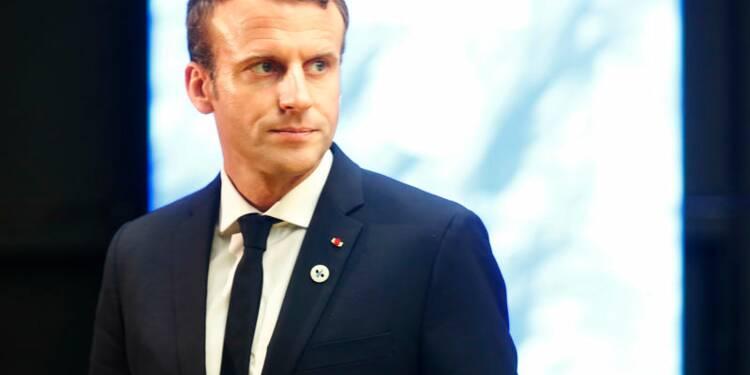 """Macron réfute les accusations sur un budget 2018 """"pour les riches"""""""