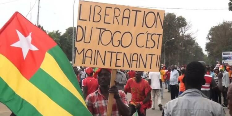 Togo: des milliers de personnes dans la rue contre le pouvoir