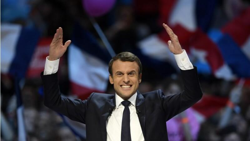 """Les Français """"foutent le bordel"""" sont """"fainéants"""", ou """"ne sont rien""""... Emmanuel Macron va t-il trop loin dans ses propos ?"""