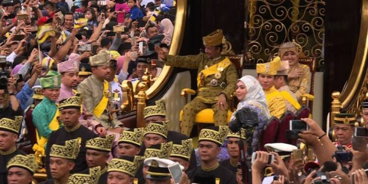 Asie: le sultan de Brunei fête en grande pompe 50 ans de règne