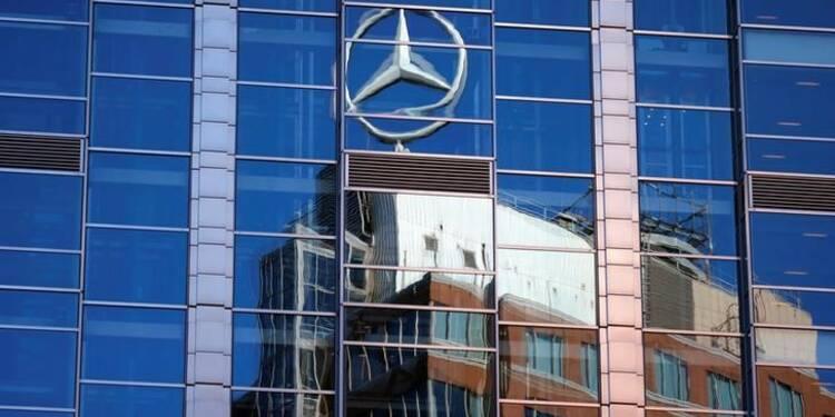 Chine: Mercedes-Benz et ses associés rappellent 350.000 voitures