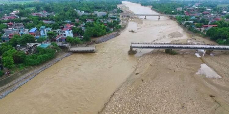 Inondations au Vietnam: bilan porté à 54 morts et 39 disparus