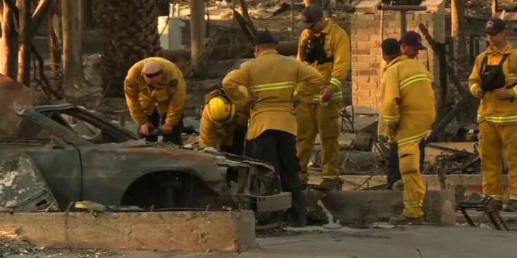 Californie: un quartier de Santa Rosa réduit en cendres
