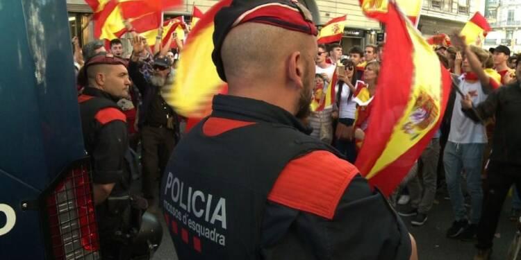 La police catalane, entre indépendance et loyauté envers Madrid