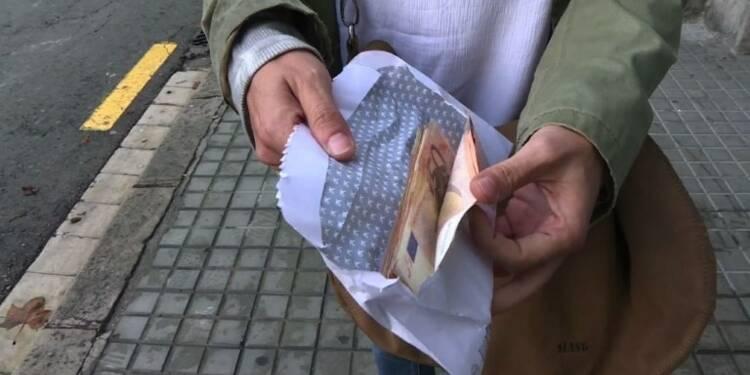 Catalogne: appel des séparatistes à retirer l'argent des banques