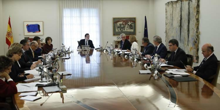 Madrid veut de nouvelles élections en Catalogne