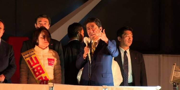 Législatives au Japon: le Premier ministre Abe favori