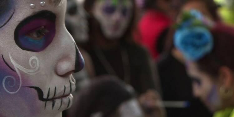 Mexique: défilé à Mexico à l'approche du Jour des morts