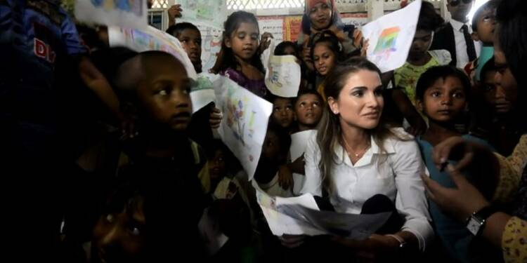 La reine Rania de Jordanie visite un camp de réfugiés Rohingyas