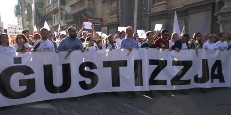 Les Maltais manifestent après le meurtre de la journaliste