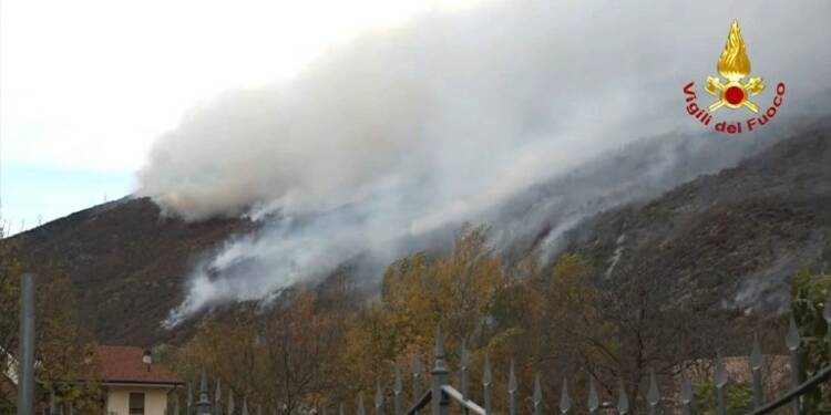 Italie : importants incendies dans le nord-ouest