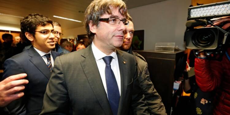 Le président catalan destitué sous le coup d'un mandat d'arrêt