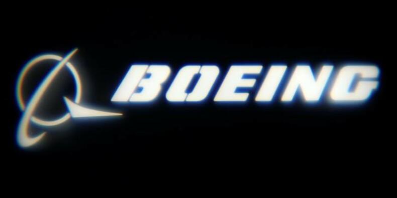 Boeing prend l'avantage à Dubaï avec une commande d'Emirates