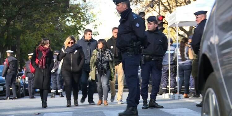 Hommage devant le Bataclan: témoignages de victimes