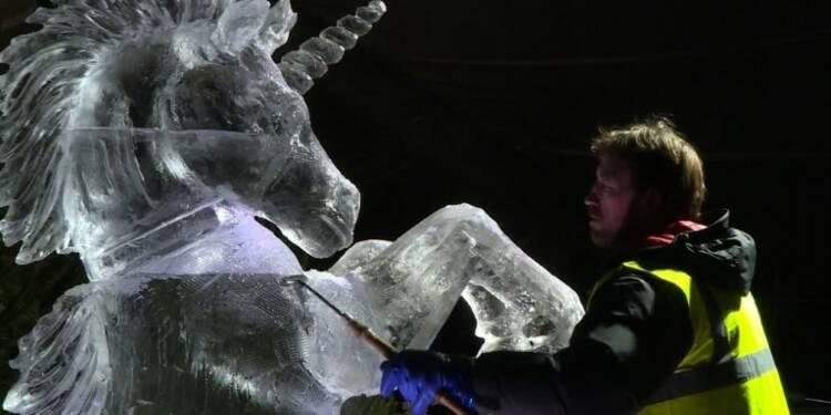 Edimbourg: des sculptures sur glace féériques au marché de Noël