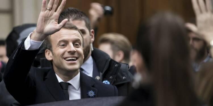 LREM : un hôtel particulier pour les cadres parisiens, des miettes pour les comités locaux