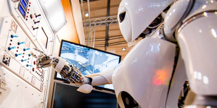 Un robot obtient haut la main le diplôme de médecine en Chine
