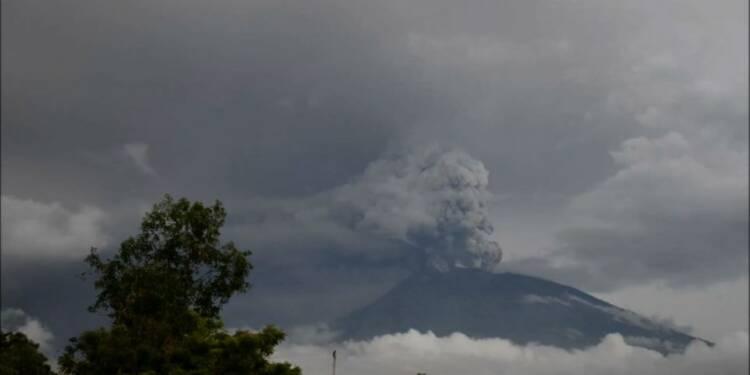 Bali: un volcan perturbe le trafic aérien