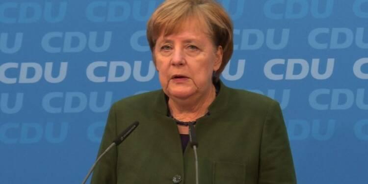 Allemagne: Merkel veut négocier avec les sociaux-démocrates