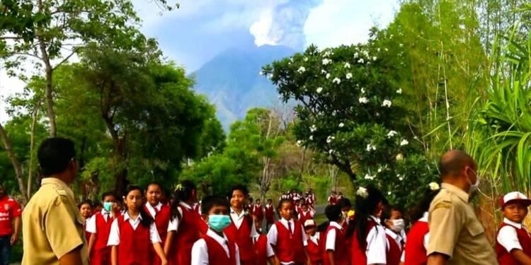 Alerte maximale à Bali après le réveil du volcan Agung