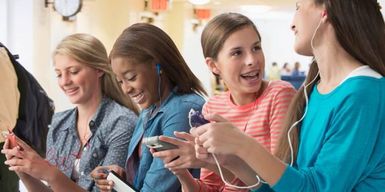 Le gouvernement a-t-il raison d'interdire le portable à l'école ?