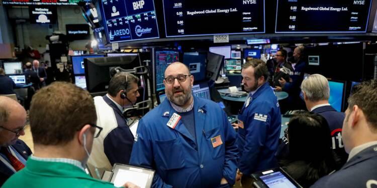 Wall Street hésite dans les premiers échanges