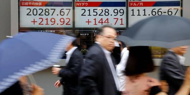 Tokyo finit en nette hausse