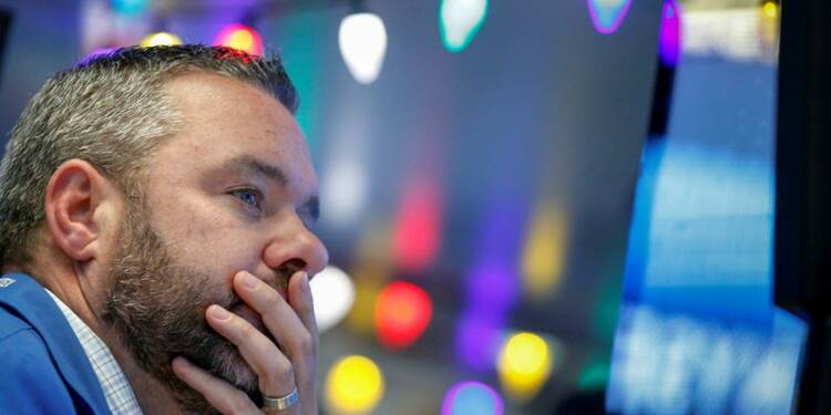 Wall Street hésite à l'ouverture, agenda politique chargé aux USA