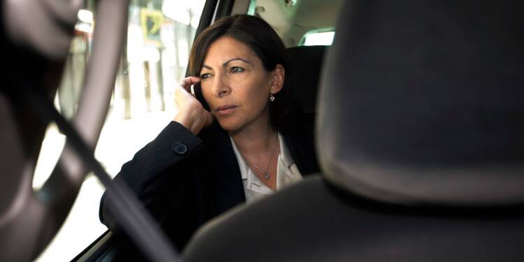 À Paris, Anne Hidalgo ne se déplace quasiment qu'en voiture