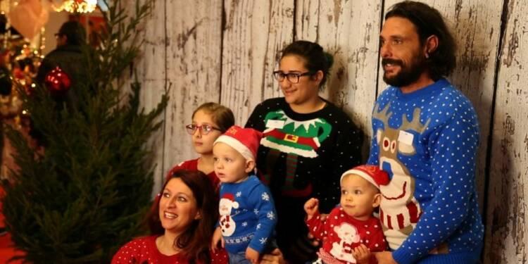 Attention les yeux, le pull moche de Noël débarque