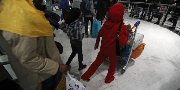 Le gouvernement sous le feu des critiques pour sa politique migratoire