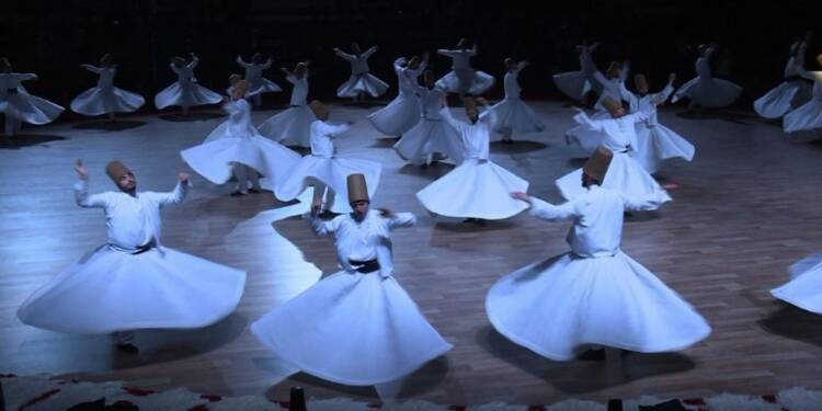 Turquie: Roumi fait toujours tourner des têtes