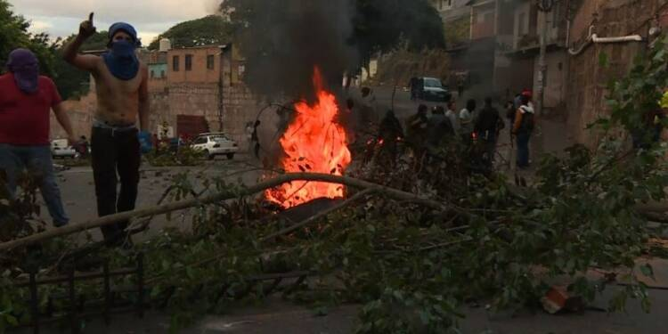 Honduras/élections: affrontements entre policiers, manifestants