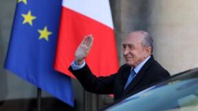 Le ministre Gérard Collomb utiliserait les moyens de l'Etat pour balader sa famille à Paris