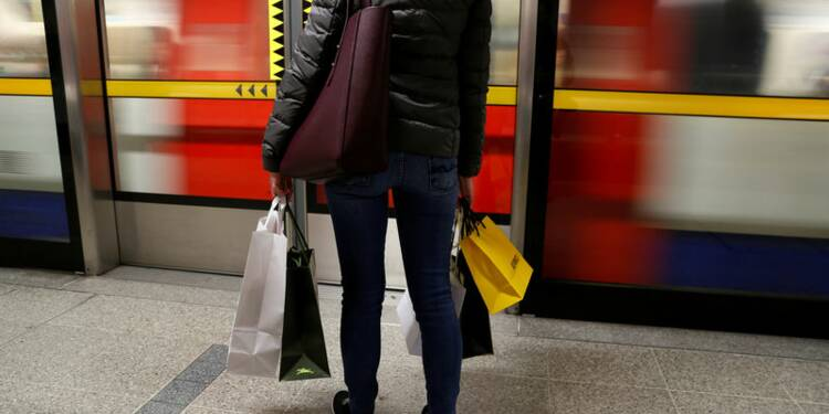 Grande Bretagne: La croissance annuelle revue en hausse à 1,7% au 3e trimestre