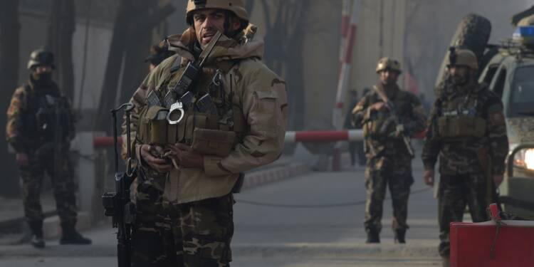 Afghanistan: six morts dans un attentat suicide revendiqué par l'EI à Kaboul