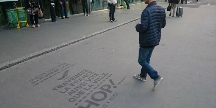 Pour ou contre la pub sur les trottoirs ?