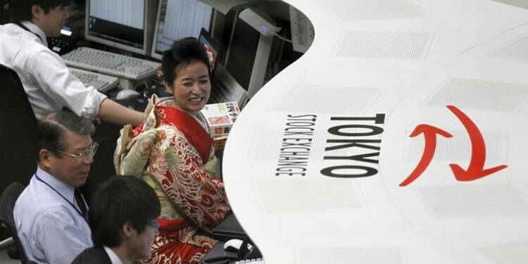 Tokyo finit en hausse de 3,26%, au plus haut depuis 1992
