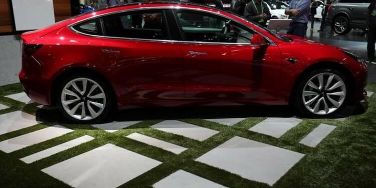 Tesla reporte (encore) l'objectif de production de sa Model 3