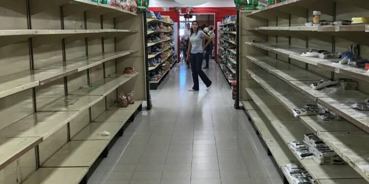 Venezuela: Foule devant les supermarchés après la baisse des prix