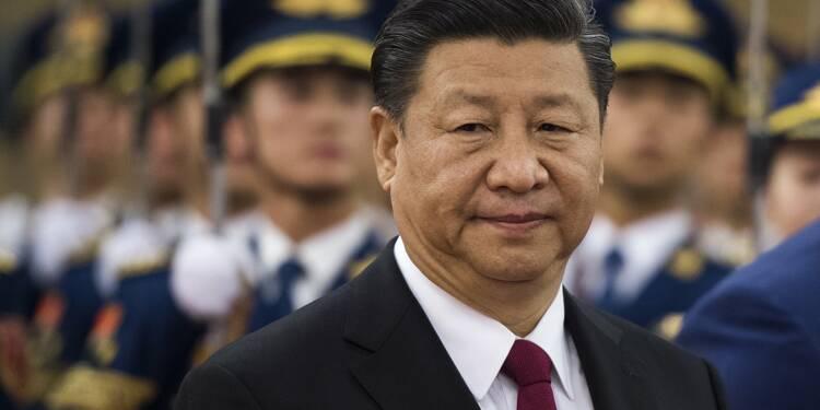 """Chine: pour l'économie """"l'empereur Xi"""", un gage de stabilité à haut risque"""