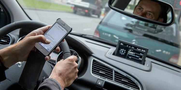 C'est confirmé : le mobile au volant pourra vous coûter votre permis de conduire