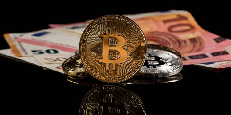"""Les gains du bitcoin bientôt soumis à la """"flat tax"""" ?"""