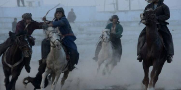 Afghanistan: chevaux du bouzkachi, bêtes de scène et de guerre