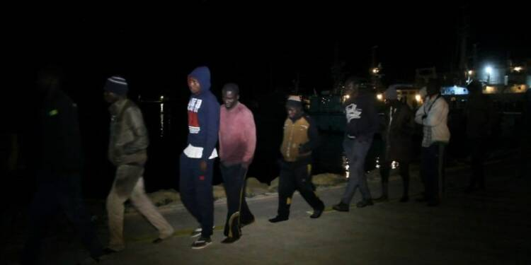 Libye: 360 migrants secourus au large de Tripoli