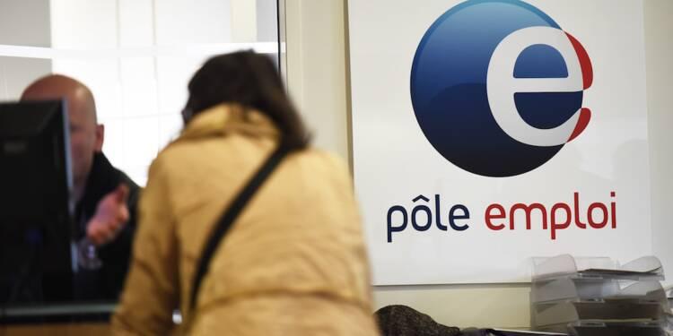 Des agents de Pôle emploi sont incités à donner leurs vêtements... aux chômeurs
