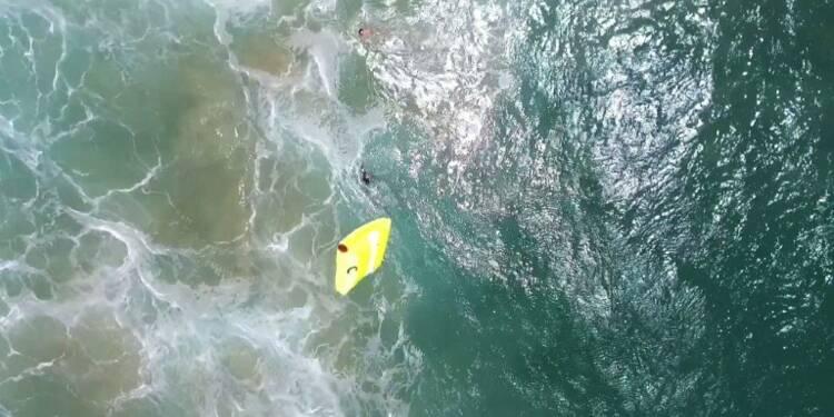 Australie: premier sauvetage de baigneurs par un drone